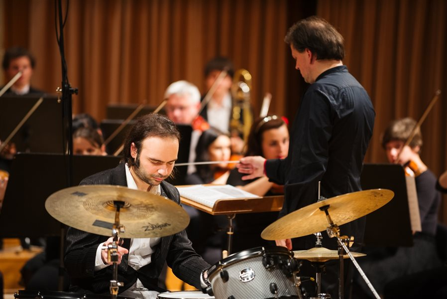 Tavitjan brothers play classics